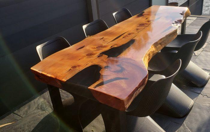 epoxytafel-epoxy-natuurproduct-boomstamtafel-hout-iqonya-eettafel-buitentafel